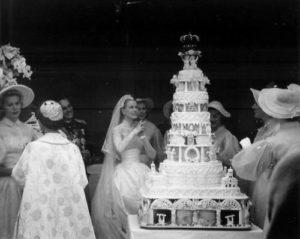 wedding in paris wedding cake (2)