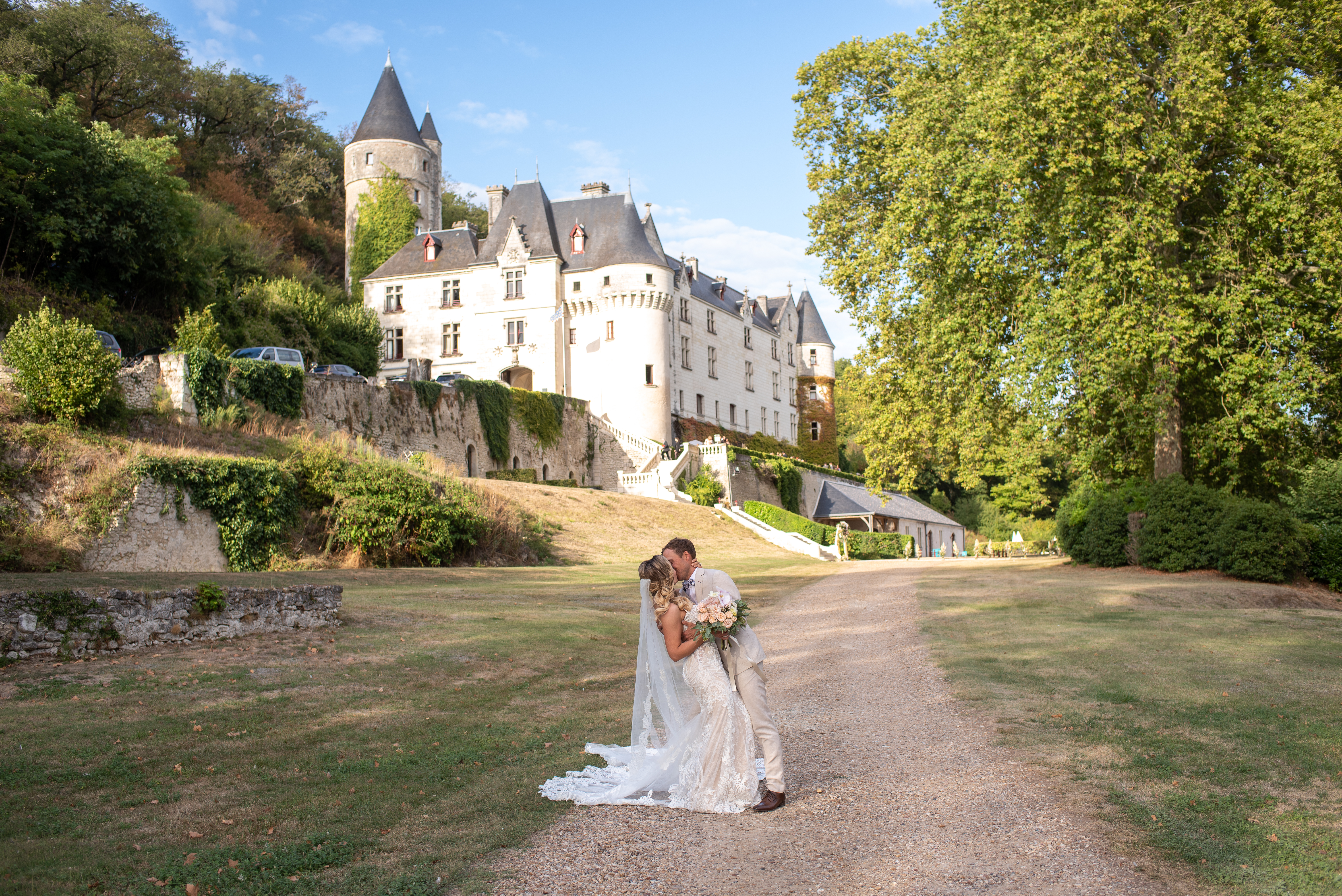 How to find the Wedding venue in France: QUESTIONS TO ASK